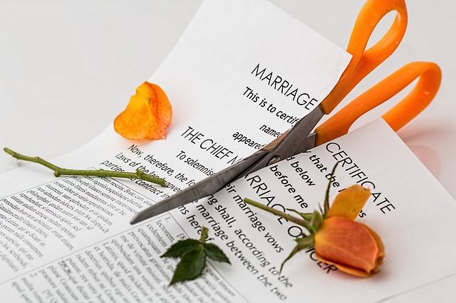 skyrybų advokatai Vilniuje