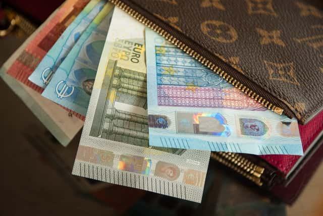 skolos išieškojimas